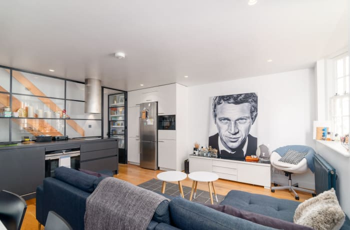 Apartment in West Kensington, Kensington - 1