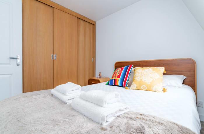 Apartment in West Kensington, Kensington - 10