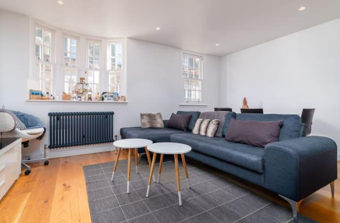 Apartment in West Kensington, Kensington - 25