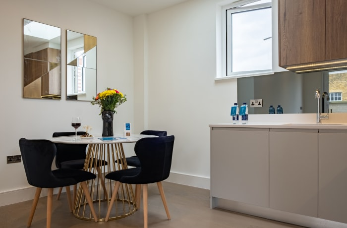 Apartment in City East Duplex II, Mile End - 3