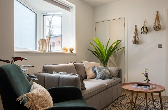 Apartment in City East Green I, Mile End - 1