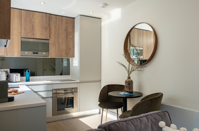 Apartment in City East Sky III, Mile End - 3