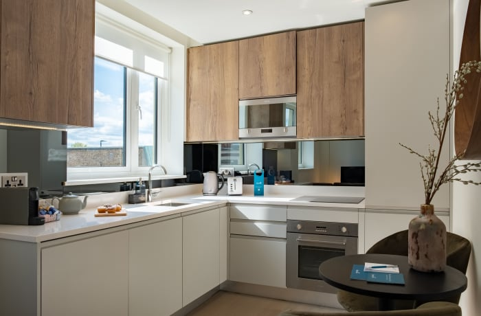 Apartment in City East Sky III, Mile End - 2