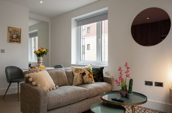Apartment in City East Spring II, Mile End - 1