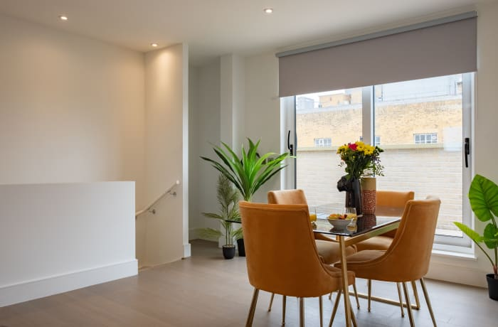Apartment in City East Terrace, Mile End - 5