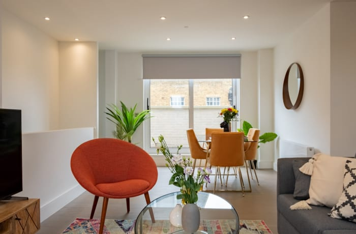 Apartment in City East Terrace, Mile End - 2