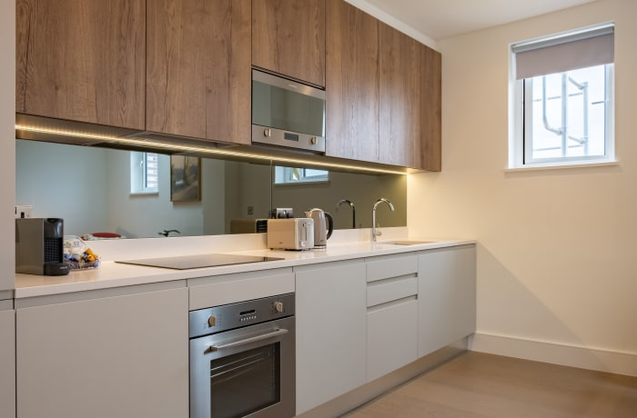 Apartment in City East Terrace, Mile End - 4