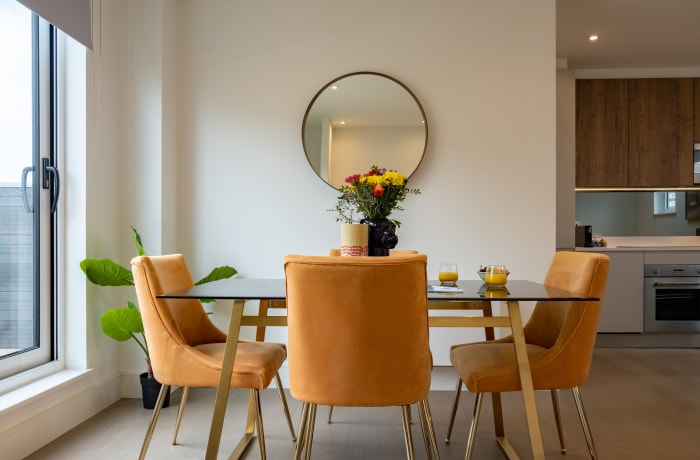 Apartment in City East Terrace, Mile End - 3