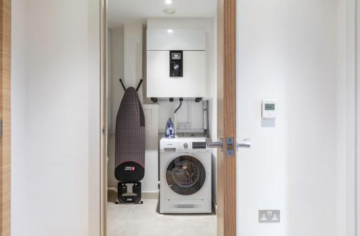 Apartment in Sutherland, Pimlico - 11