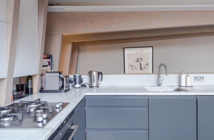 Apartment in Stylish Shoreditch, Shoreditch - 7