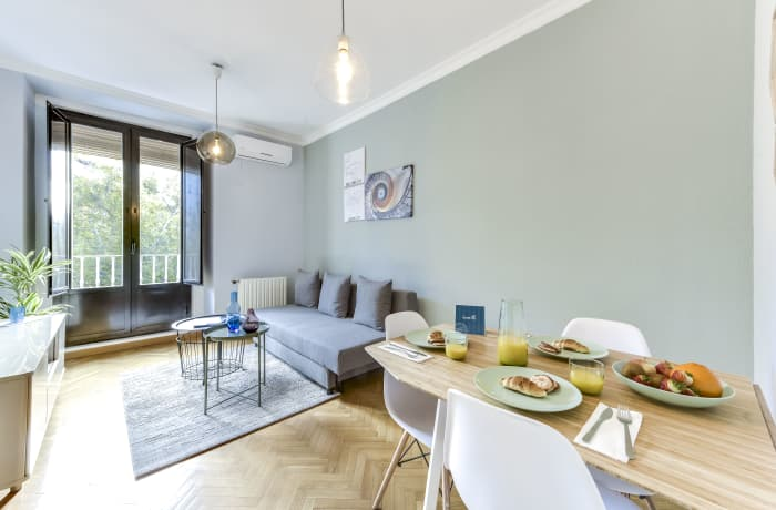 Apartment in Tirso de Molina, La Latina - 1