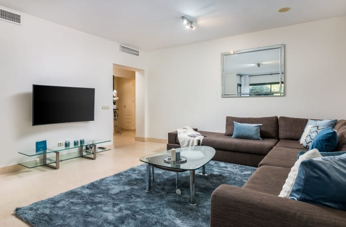 Apartment in Capanes Del Golf, Benahavis - 2