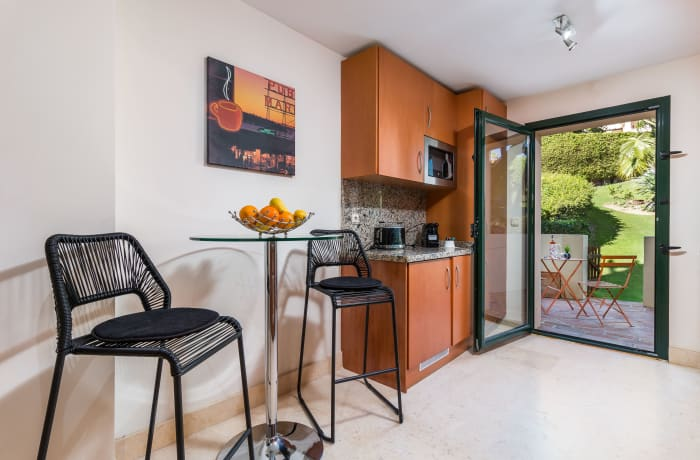 Apartment in Capanes Del Golf, Benahavis - 8