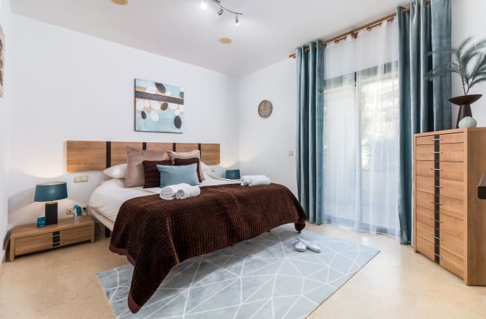Apartment in Capanes Del Golf, Benahavis - 4