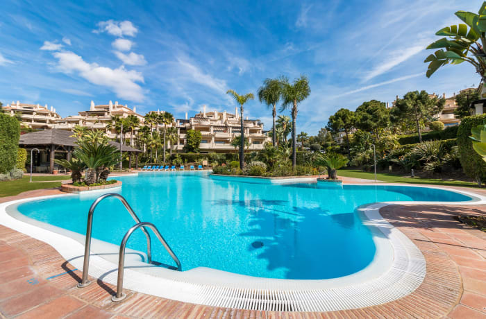 Apartment in Capanes Del Golf, Benahavis - 21
