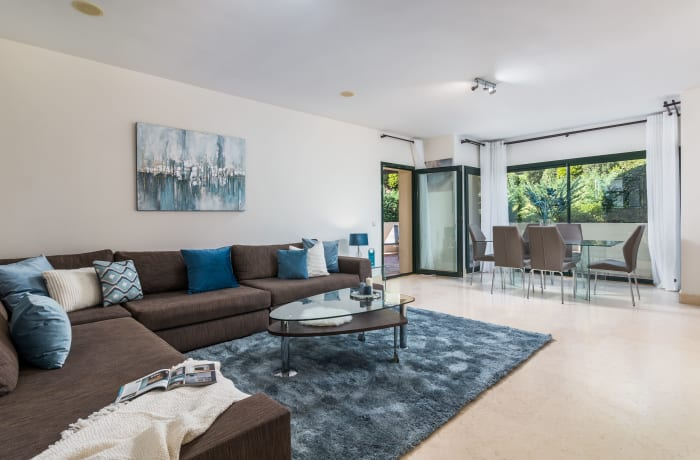 Apartment in Capanes Del Golf, Benahavis - 1