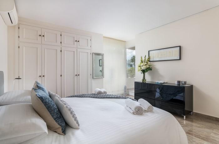 Apartment in Las Brisas, Marbella - 8