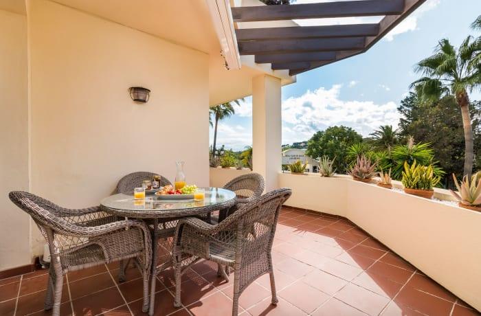 Apartment in Las Brisas, Marbella - 10