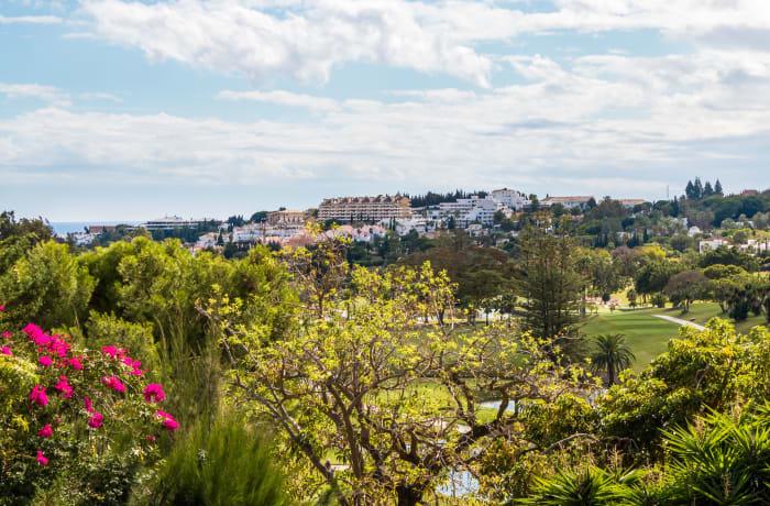 Apartment in Las Brisas, Marbella - 13