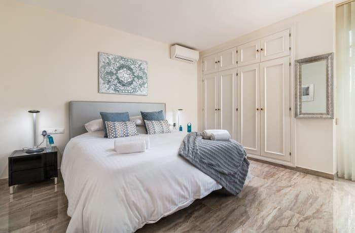 Apartment in Las Brisas, Marbella - 7