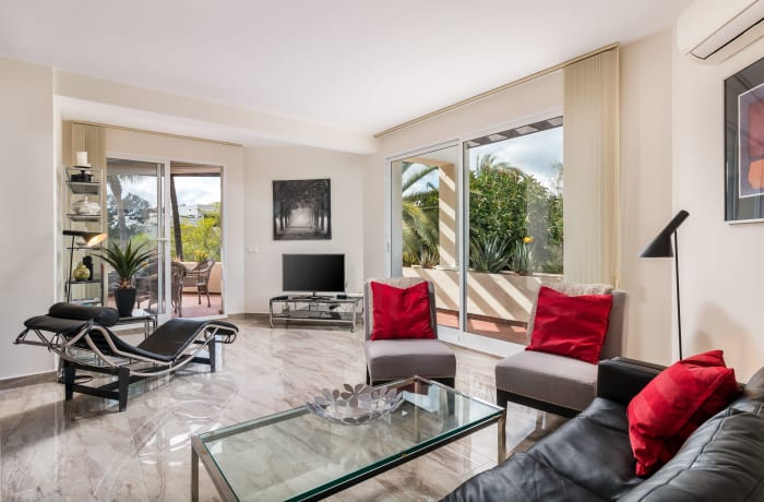 Apartment in Las Brisas, Marbella - 1