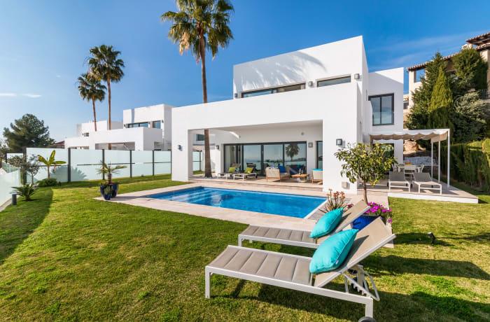 Apartment in Villa Atalaya, Marbella - 4