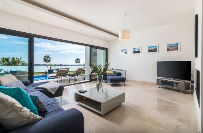 Apartment in Villa Atalaya, Marbella - 1