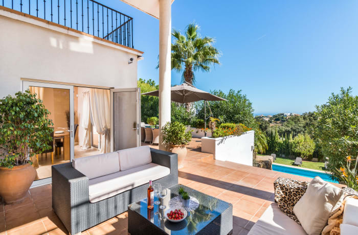 Apartment in Villa La Mairena, Marbella - 2