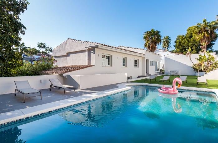 Apartment in Villa Mariposa, Marbella - 0