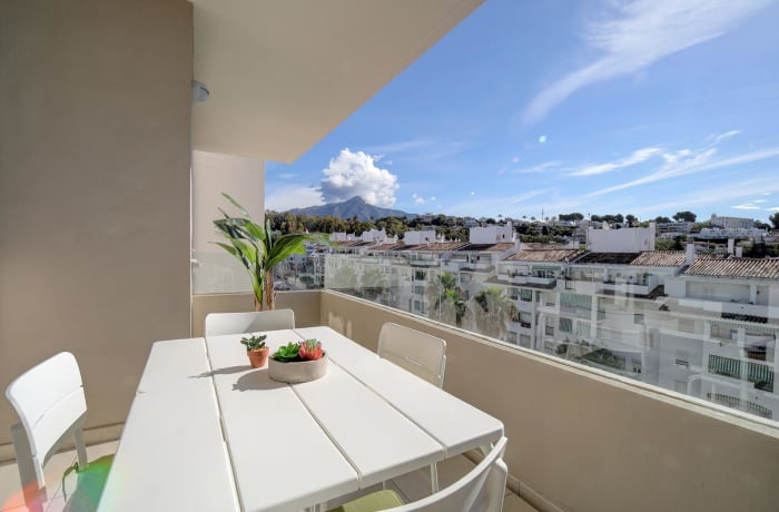 Apartment in Albatross Hills, Nueva Andalucia - 10