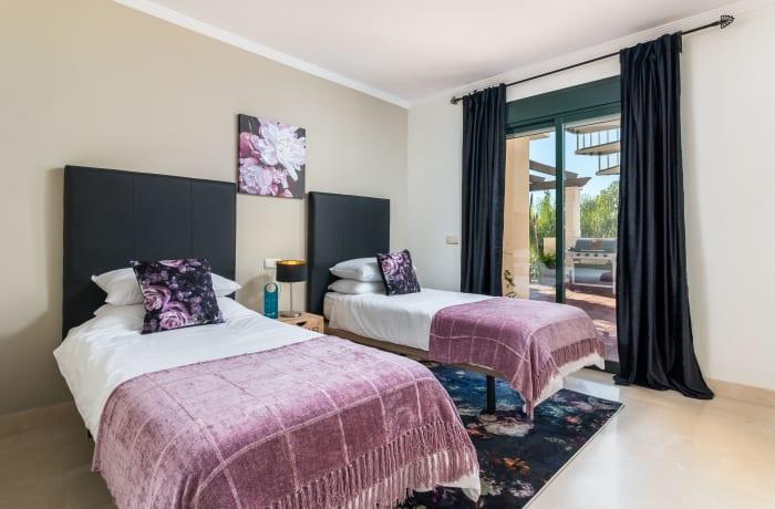 Apartment in El Palmeral I, Nueva Andalucia - 10