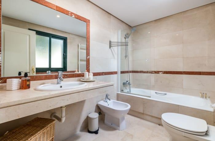 Apartment in El Palmeral I, Nueva Andalucia - 9