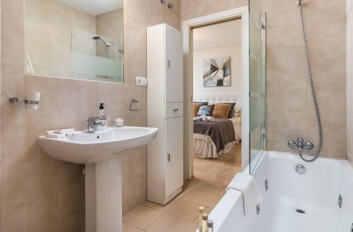 Apartment in Le Village, Nueva Andalucia - 9