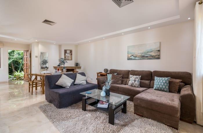 Apartment in Le Village, Nueva Andalucia - 1