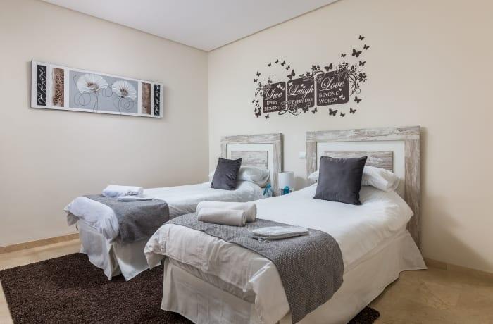 Apartment in Le Village, Nueva Andalucia - 11