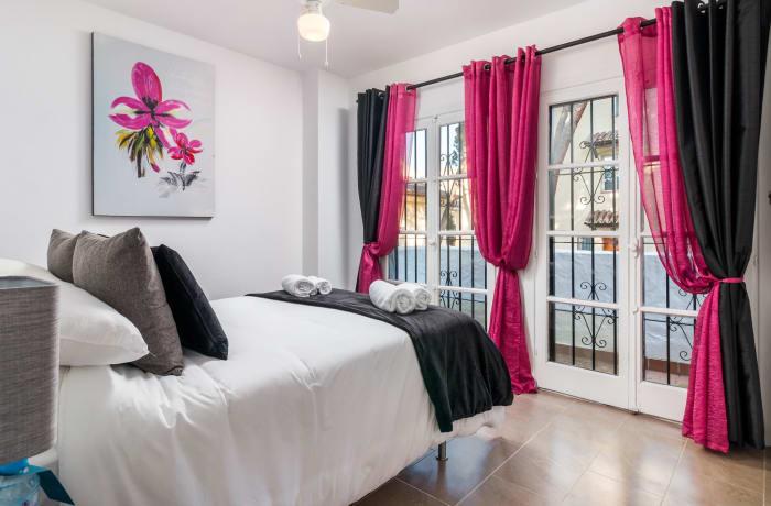 Apartment in Los Pinos, Nueva Andalucia - 10