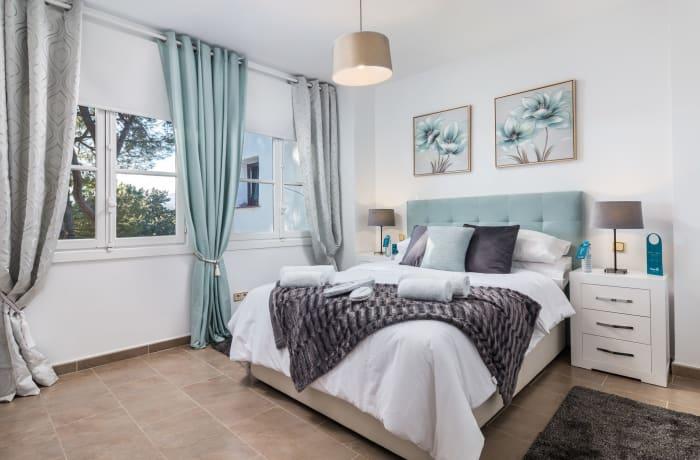 Apartment in Los Pinos, Nueva Andalucia - 7