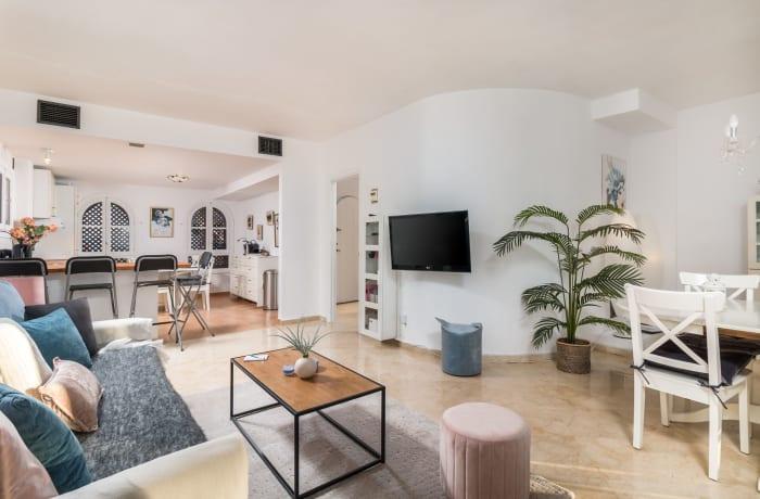 Apartment in Los Pinos, Nueva Andalucia - 4
