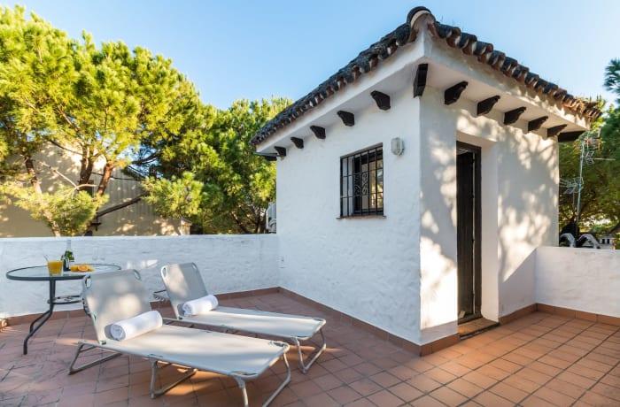 Apartment in Los Pinos, Nueva Andalucia - 16