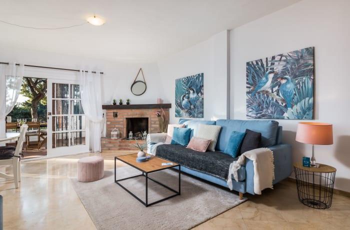 Apartment in Los Pinos, Nueva Andalucia - 1