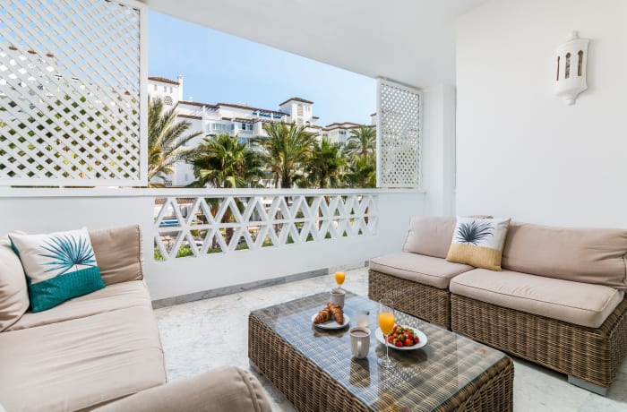 Apartment in Las Gaviotas, Puerto Banus - 15