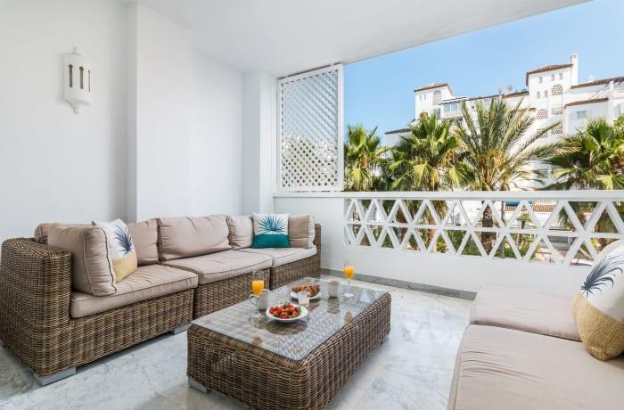 Apartment in Las Gaviotas, Puerto Banus - 1