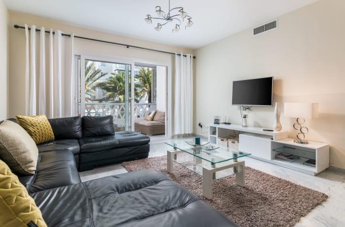 Apartment in Las Gaviotas, Puerto Banus - 13