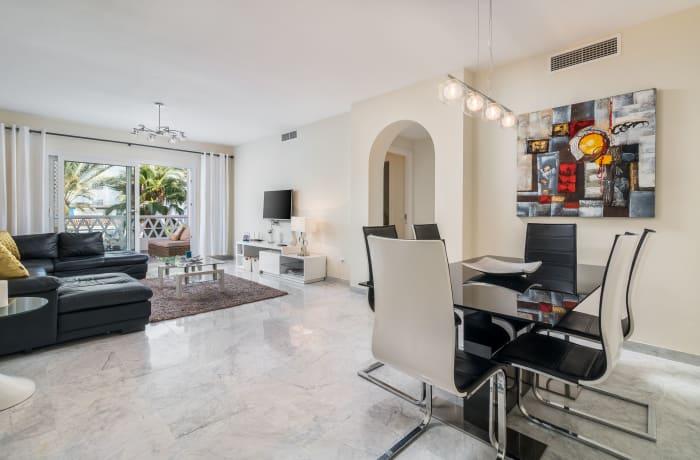 Apartment in Las Gaviotas, Puerto Banus - 12