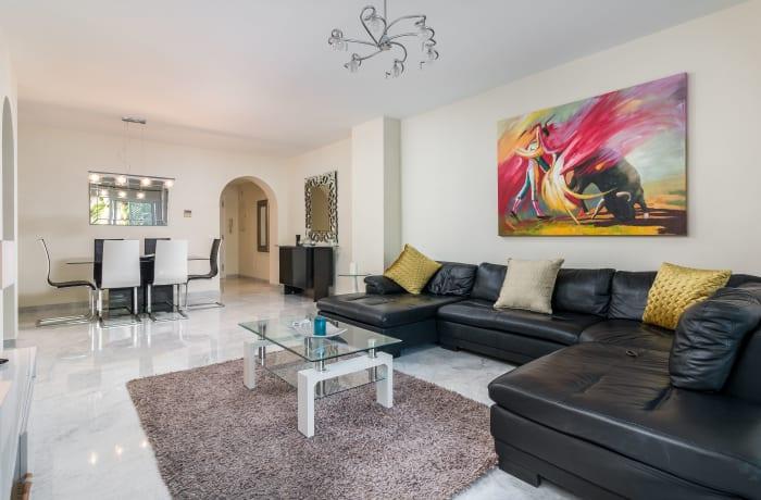 Apartment in Las Gaviotas, Puerto Banus - 4