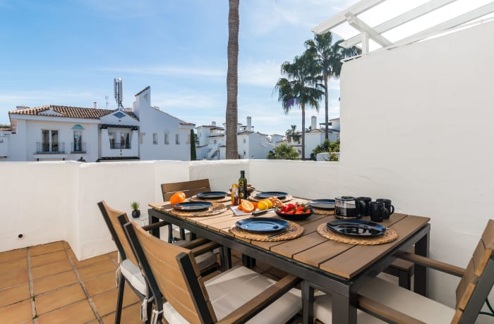Apartment in Los Naranjos, Puerto Banus - 15
