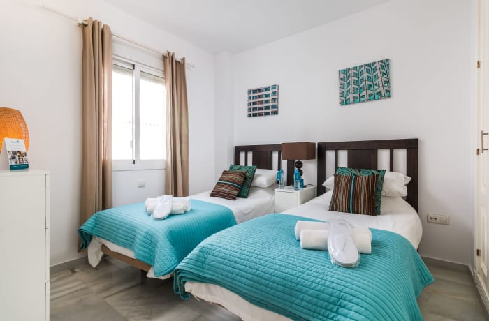 Apartment in Los Naranjos, Puerto Banus - 14