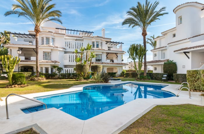 Apartment in Los Naranjos, Puerto Banus - 17