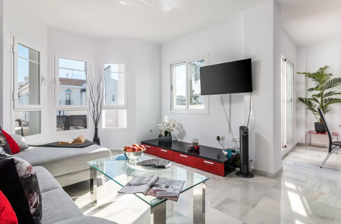 Apartment in Los Naranjos, Puerto Banus - 2
