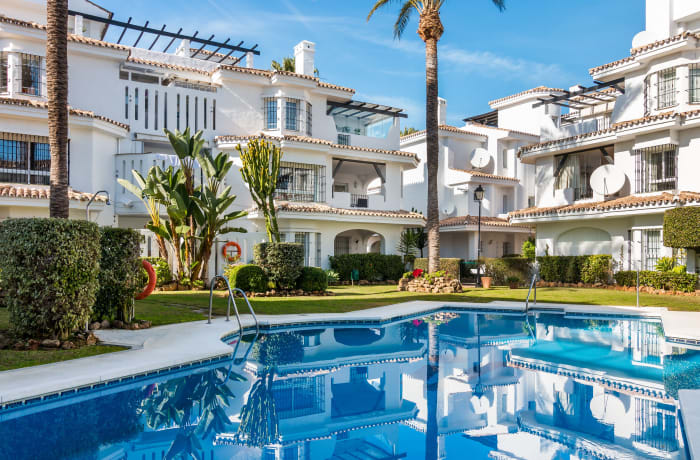 Apartment in Los Naranjos, Puerto Banus - 18